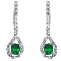 Orecchini con smeraldi e diamanti.