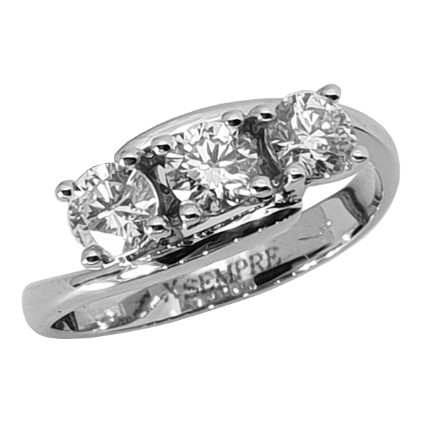 Anello trilogy con diamanti naturali.