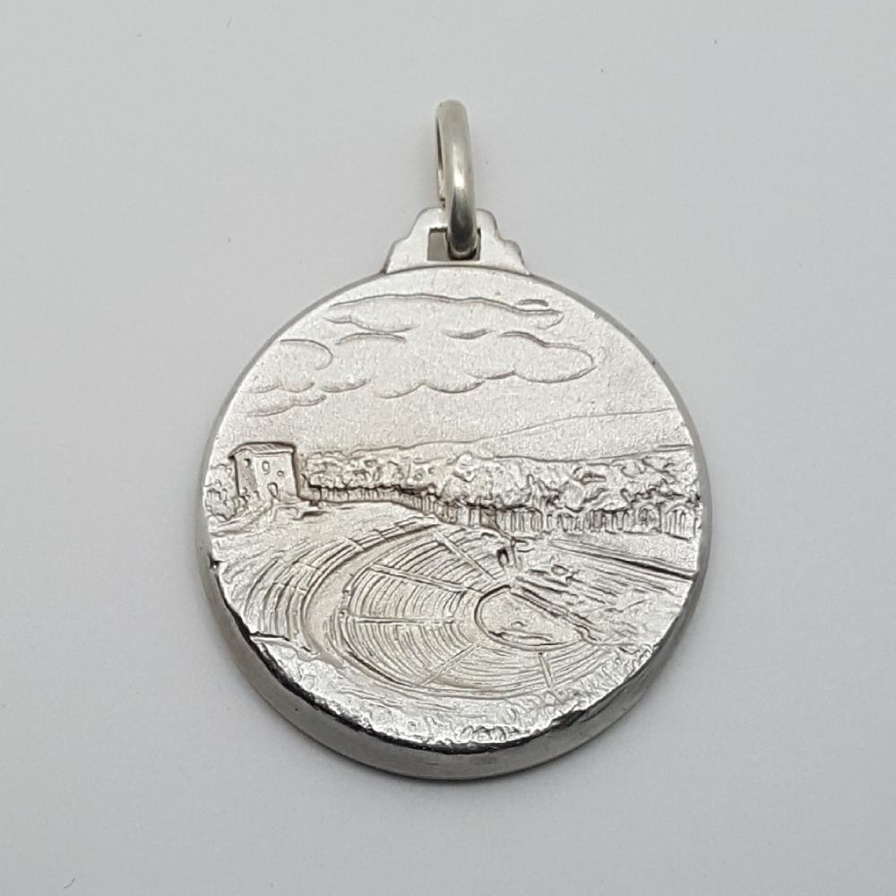Ciondolo in argento raffigurante il Teatro Greco di Siracusa.