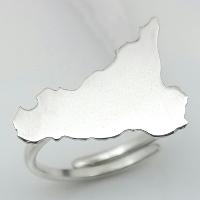 Anello in argento raffigurante la Sicilia.