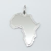 Il ciondolo in argento raffigura l'Africa.