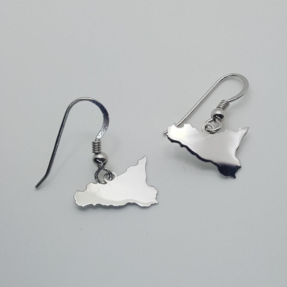 Orecchini della Sicilia realizzati in argento.