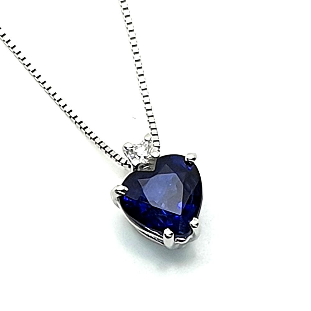 Pendente DHM con zaffiro e diamante.