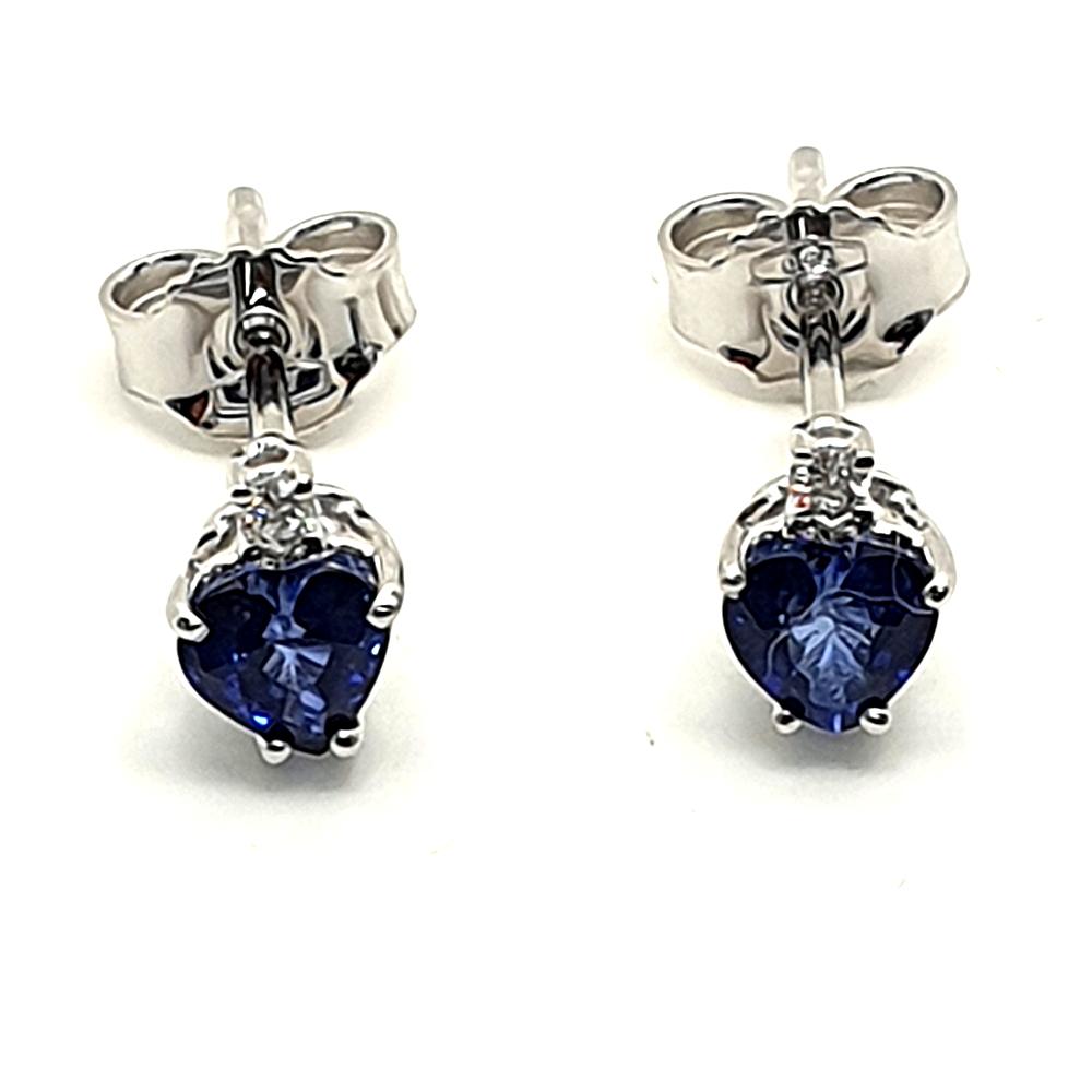 Orecchini DHM con zaffiro e diamanti.