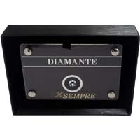 Diamante in elegante blister box.