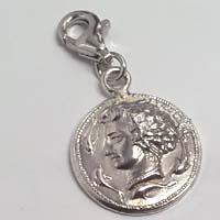 Charms in argento raffigurante l'Aretusa.
